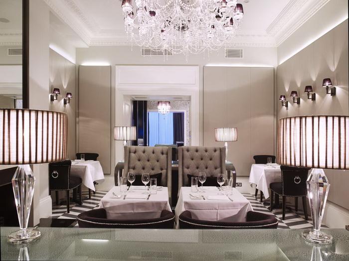 Booking.com presenta los hoteles favoritos de James Bond